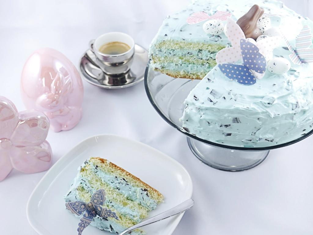 niebieskie ciasto Tort na Wielkanoc
